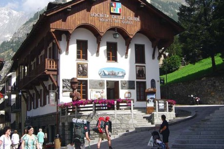 alpines-guides-society-in-courmayeur---aosta-valley_6336976924_o